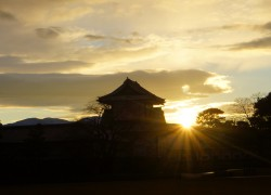 金沢城公園三の丸から見る日の出